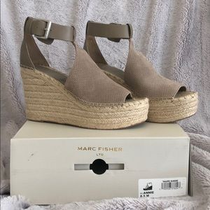 NIB Marc Fisher Annie wedges